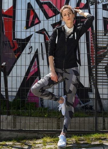 Tayt-Nike